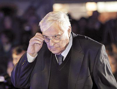 Басилашвили не позволит втирать очки