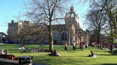 Британия больше не хочет видеть студентов из европы