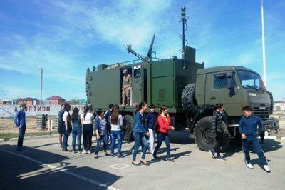 Достижения в боевой подготовке военнослужащих вс рк показали школьникам