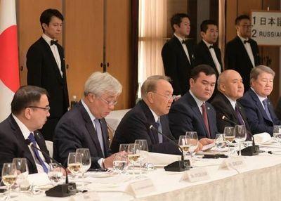 Глава государства встретился с представителями деловых кругов японии