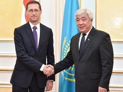 Глава мид рк провел встречу с министром нацэкономики венгрии