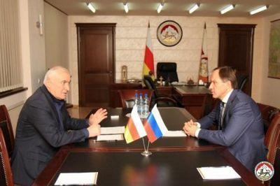 Глава минкавказа россии проинспектировал строительство вюжной осетии - «экономика»