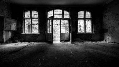Как фотографировать в тёмном помещении