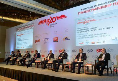 Каспий становится центром притяжения международного транзита