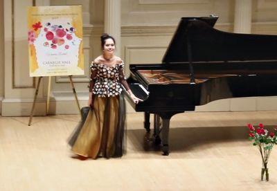 Казахстанская пианистка выступила на сцене карнеги-холл