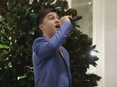 Казахстанский певец завоевывает популярность в сша