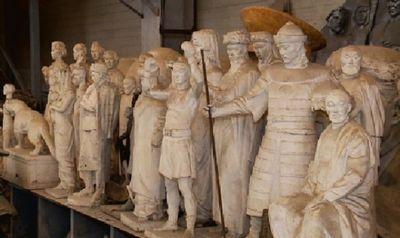 Казахстанский скульптор мурат мансуров создает статую для высокогорного района в турции