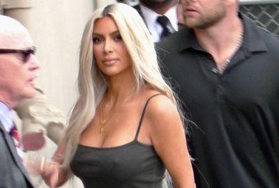 Ким кардашьян сфотографировали без лифчика (16 фото)