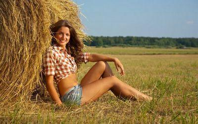 Красивые сельские девушки (20 фото)