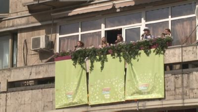 Международный конкурс акапелла проходит на московских улицах