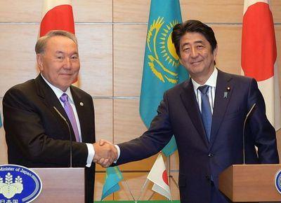 Н.назарбаев встретился с премьер-министром японии с.абэ