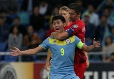 Немецкие сми назвали хулиганским поступок роберта левандовски в матче с казахстаном
