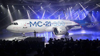 Первый перспективный магистральный самолет мс-21 выкатили в иркутске