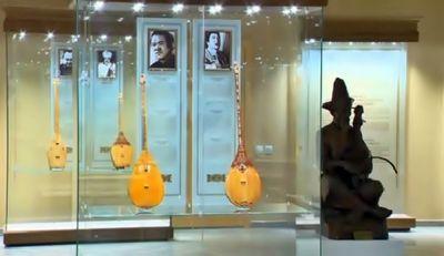 Президент казахстана подарил свою домбру центру традиционной музыки
