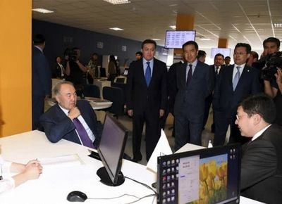 Президент казахстана посетил транспортно-логистический центр «астана»