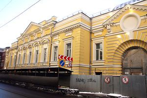 Реконструкция здания театра геликон-опера идет в круглосуточном режиме