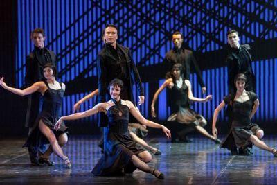 Санкт-петербургский театр привез в астану балет «евгений онегин»