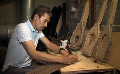 Секрет изготовления идеальной домбры знает мастер из мангистау
