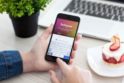 Сервис instagram добавил функцию фильтрации оскорбительных комментариев