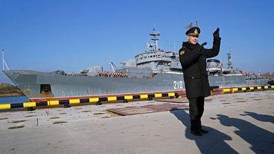 Шойгу снял с должности командующего и начальника штаба балтийского флота