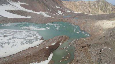 В алматинском регионе продолжаются работы по опорожнению мореных озер