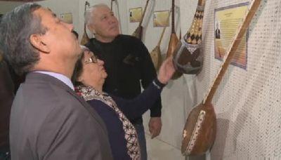В атырау открылась выставка, рассказывающая об истории домбры