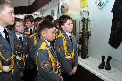 В казахстане планируют развить систему военно-патриотического воспитания молодого поколения