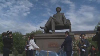 В петропавловске открыли памятник магжану жумабаеву